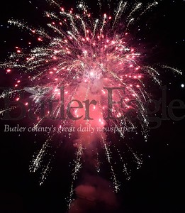 81706 BUTLER KELLY PARK CITY FIREWORKS INDEPENDENCE DAY JULY 4TH RECREATION