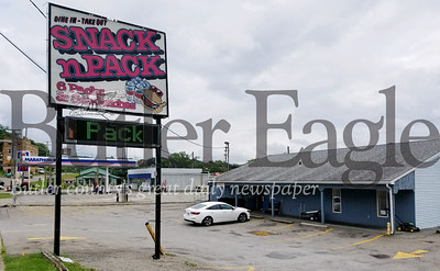 About two weeks ago, an ownership group bought the Snack-N-Pack 353 E Jefferson St. in Butler. Photo by Nathan Bottiger