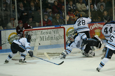 11/19/04 Fenton goal and something you dont see too often, Jimmy Howard out of position.