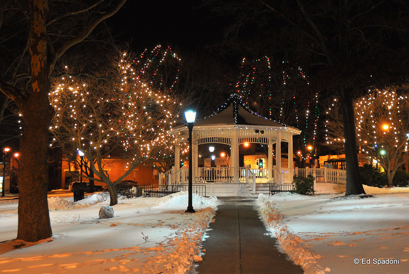 The gazebo on the town common<br /> 1/12/2010