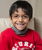 22/12/2013: Petit-fils porte maintenant des lunettes et semble heureux - Grand son is now wearing glasses and looks happy