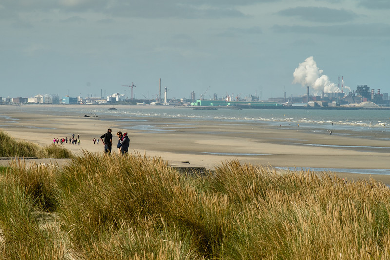 28-09-2013: Au loin, Dunkerque - In the distance Dunkerque