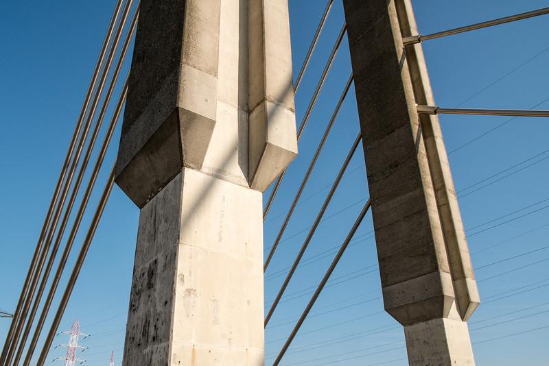 25-04-2013 : Pont haubané - Cable-stayed bridge