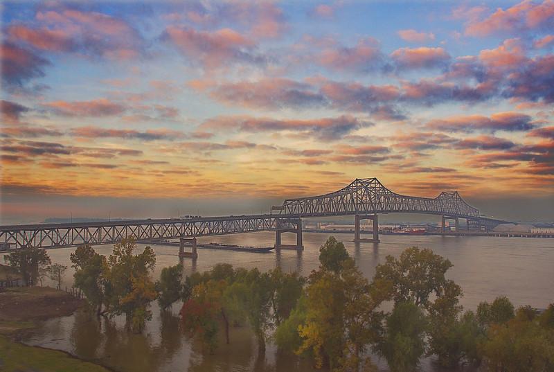 "3 Dec: Baton Rouge...  <a href=""http://toml.smugmug.com/Other/Overage/9813840_ULV6T#730475714_eZTgA""> Two more bridge pics here:::"