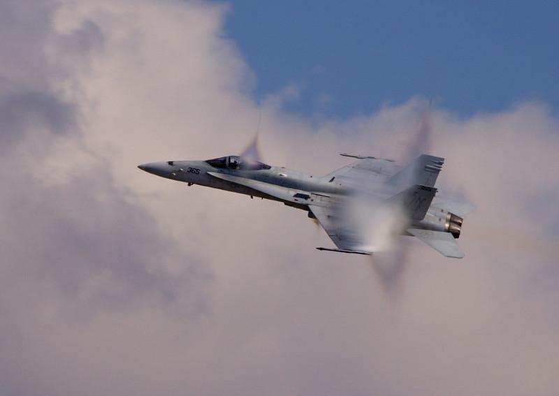 "9 Nov:   <a href=""http://toml.smugmug.com/Airshows/Randolph-AFB-Nov-09/10257900_hH5QN#P-1-15"">More from the Nov Randolph AFB Airshow here:::"