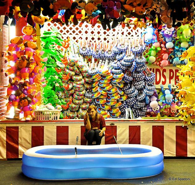 "Carnival: slow night<br /> 9/24/09<br /> Companion photos are here:  <a href=""http://edspadoni.smugmug.com/gallery/9608116_KiSRe/#660047690_CJ34T"">http://edspadoni.smugmug.com/gallery/9608116_KiSRe/#660047690_CJ34T</a>"