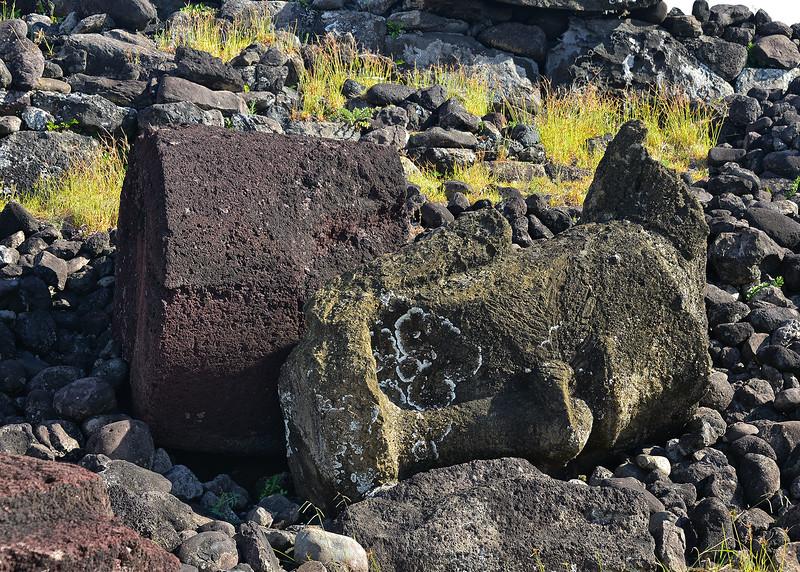 EAS_1289-7x5-Moai-Top Knot