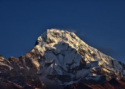 NEP_2588-7x5-Annapurna-Sunrise