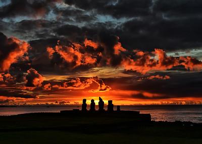 EAS_2301-7x5-Moai Sunset