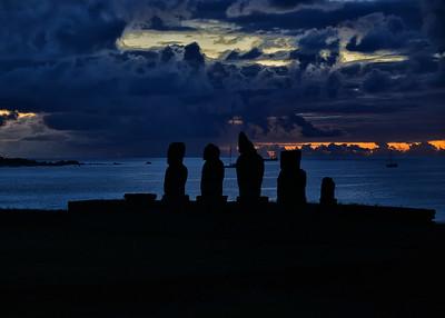EAS_2348-7x5-Moai late light