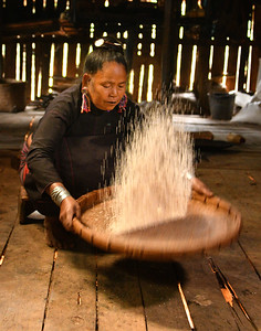 MYA_4161-Cleaning Rice