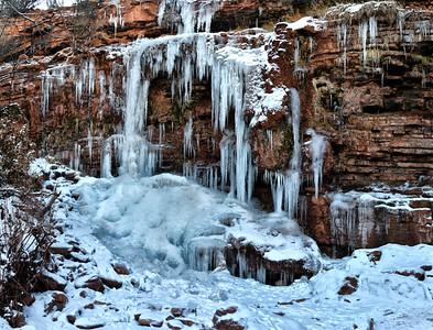 NEA_1827-Pano-Crop-Waterfall