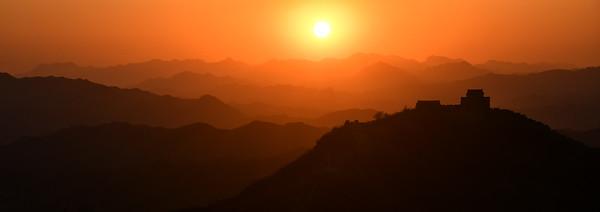 CHI_4508-Sunset at the wall