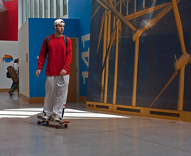 <h3>Stata Skateboard</h3> 6 April 2006