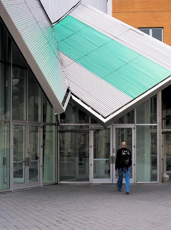 <h3>Stata Door</h3> Stata Center at MIT  13 April 2006