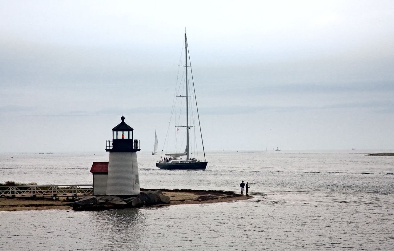 <h3>Hy-Line Arrival</h3> Brant Point, Nantucket at 4:30 PM.  15 August 2006