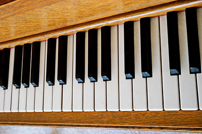 12/6   Piano Keyboard