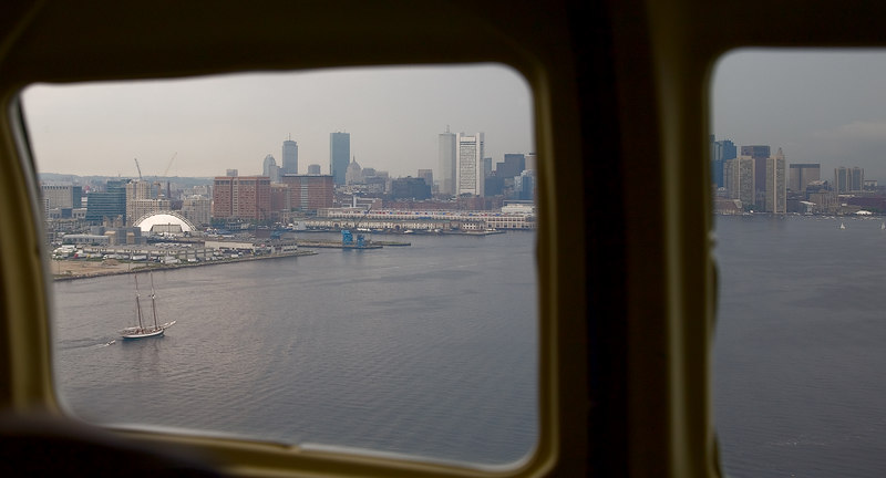<h3>Puddle Jumper</h3> Back and forth Boston & Nantucket.  Trying to get the operation moved for the summer.  14 June 2006