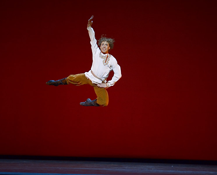 <h3>Christoper Budzynski...</h3> ... dances <i>Gopak</i> from <i>Taras Bulba</i> at the dress rehearsal for Boston Ballet's <i>Evening of Russian Ballet</i>.  3 May 2006