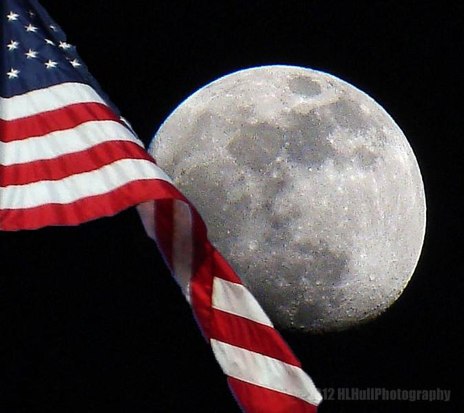 """""""That's one small step for [a] man, one giant leap for mankind"""" July 20, 1969. <a href=""""http://en.wikipedia.org/wiki/Neil_Armstrong#Voyage_to_the_Moon"""">http://en.wikipedia.org/wiki/Neil_Armstrong#Voyage_to_the_Moon</a><br /> <br /> Honoring the life of Neil Armstrong, August 5, 1930 - August 25, 2012<br /> <br /> This is obviously not the blue moon shot, sorry, I missed it, but still wanted to do something to honor this great man. Thanks to KENNETH-COLE-PHOTOGRAPHY for the great suggestion!<br /> <br /> Critiques welcome...<br /> <br /> September 1, 2012"""