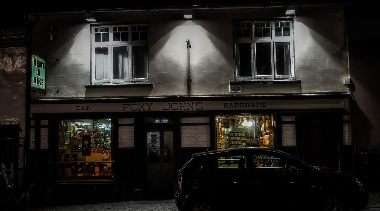 Foxy John's Pub  Dingle at night