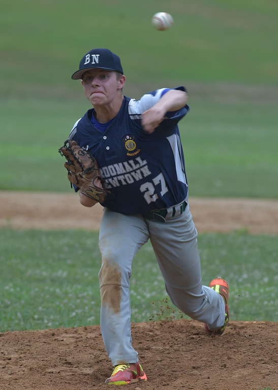 . PETE  BANNAN-DIGITAL FIRST MEDIA          Broomall-Newtoen\'s (27) Brett Tanis throws againstSpringfield.