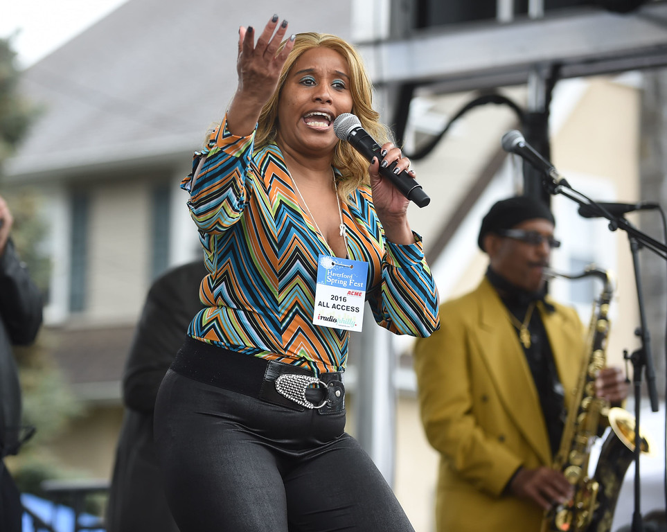 . PETE BANNAN-DIGITAL FIRST MEDIA  Lisa Chavous and the Philaderlphia Bluse Messengers perform at the Haverford Spring Music Festival on Sunday May 1 on Brookline Blvd. in Havertown.