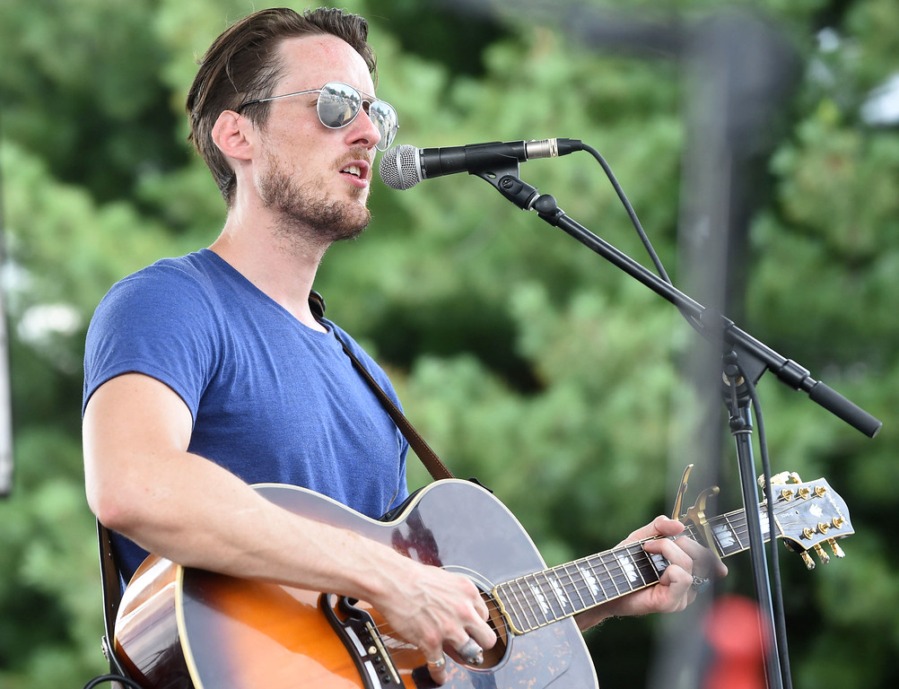 . PETE BANNAN-DIGITAL FIRST MEDIA    Ben de la Cour singer-songwriter performs on theDarby Road stage at the Haverford Music Festival  Saturday Sept. 10, 2016.