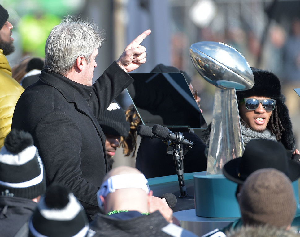 . PETE BANNAN-DIGITAL FIRST MEDIA       Eagles coach Doug Pedersonand the Vince Lombardi Trophy during the Eagles Championship Celebration.