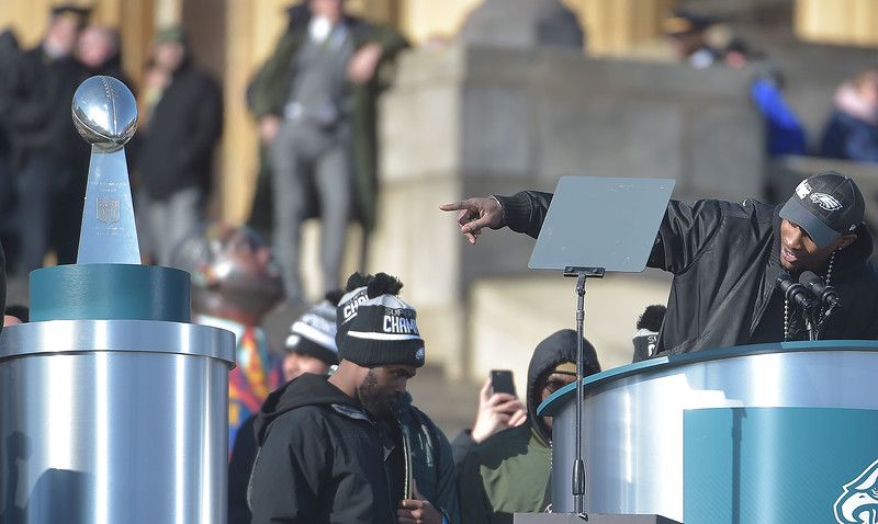 PETE BANNAN-DIGITAL FIRST MEDIA        Alshon Jeffereis points to the Vince Lombardi trophy during the Eagles Championship Celebration.