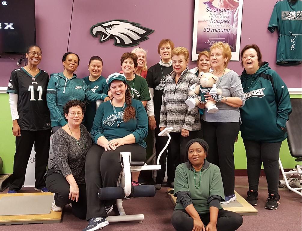 . Ridley Curves girls showing Eagles support!