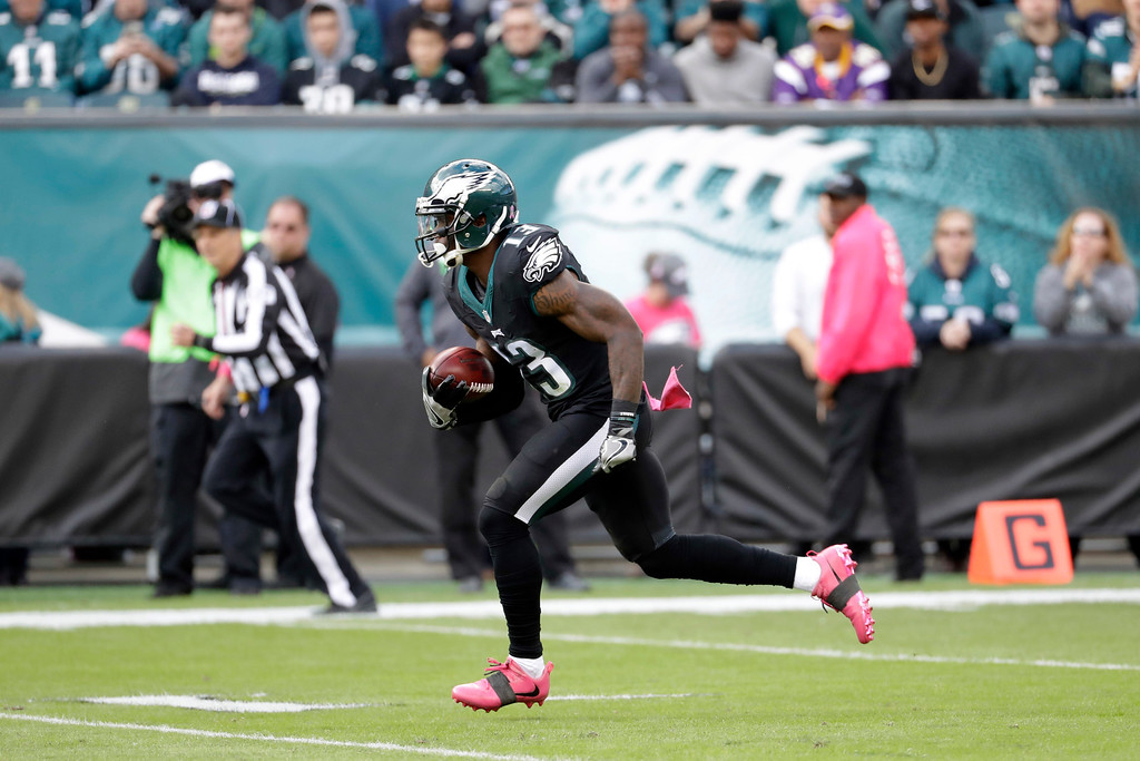 . Philadelphia Eagles\' Josh Huff returns a kickoff for a touchdown during the first half of an NFL football game against the Minnesota Vikings, Sunday, Oct. 23, 2016, in Philadelphia. (AP Photo/Chris Szagola)