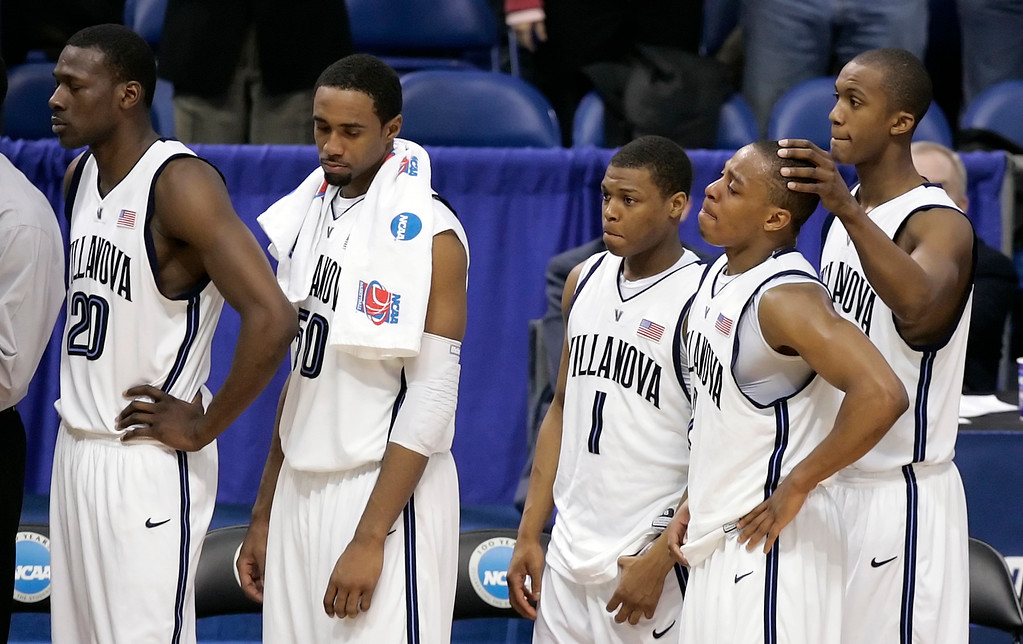 . Villanova players watch the final seconds of their NCAA Regional final basketball game against Florida in Minneapolis, Sunday, March 26, 2006. Florida defeated Villanova, 75-62, to advance to the Final Four. (AP Photo/Ann Heisenfelt)