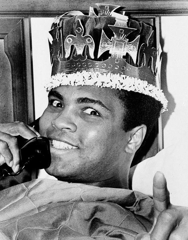 https://photos.smugmug.com/Daily-Times/PHOTOS-Muhammad-Ali-through/i-LqnVxg5/0/XL/AP_710306032-XL.jpg