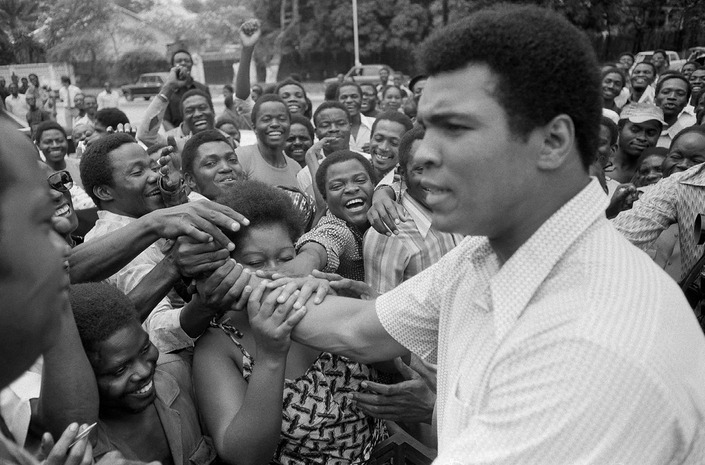 https://photos.smugmug.com/Daily-Times/PHOTOS-Muhammad-Ali-through/i-jMKzhHC/0/XL/AP_16155606348952-XL.jpg