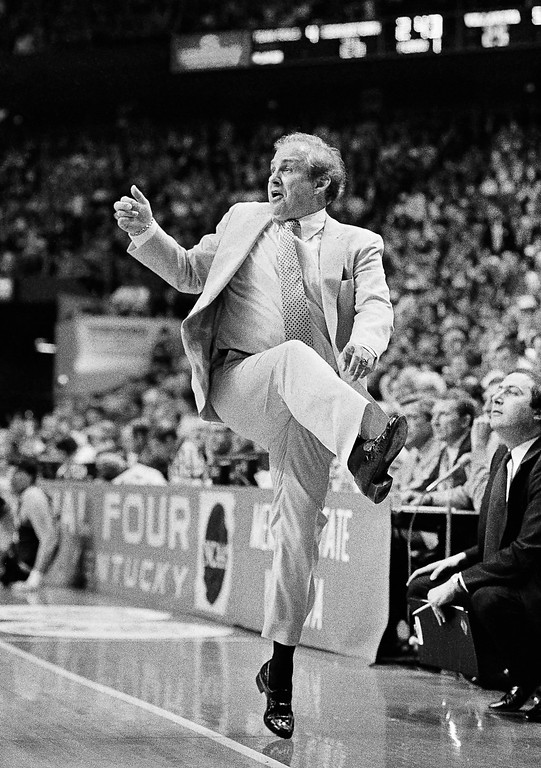 . ** FILE ** In this April 1, 1985 file photo, Villanova coach Rollie Massimino is up on his toes as he dances his way to victory over Georgetown in the NCAA Championship game in Lexington, Ky. Massimino really made his mark when he led Villanova to the 1985 national championship. Now coaching at tiny Northwood University, Massimino returns to coach against star pupil Jay Wright and the No. 23 Wildcats on Thursday night at the Spectrum. (AP Photo/Bob Jordan, File)