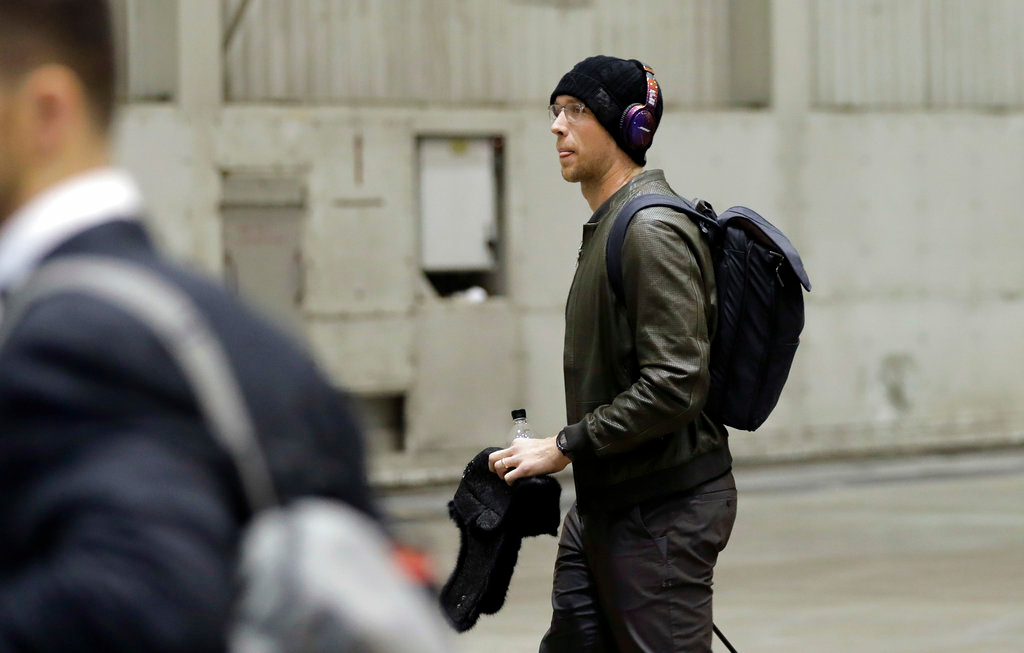 . Philadelphia Eagles quarterback Nick Foles arrives with his team for the NFL Super Bowl 52 football game Sunday, Jan. 28, 2018, in Minneapolis. Philadelphia a a scheduled to face the New England Patriots. (AP Photo/Eric Gay)