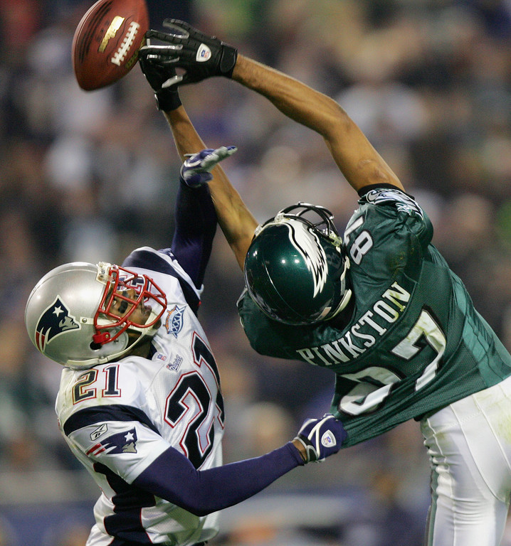 . New England Patriots cornerback Randall Gay (21) breaks up a pass intended for Philadelphia Eagles\' Todd Pinkston in the third quarter of Super Bowl XXXIX at Alltel Stadium on Sunday, Feb. 6, 2005, in Jacksonville, Fla. (AP Photo/David J. Phillip)