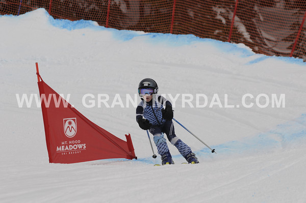 sat april 9 full sail banked slalom long lens photos of all riders ALL IMAGES LOADED (ew)