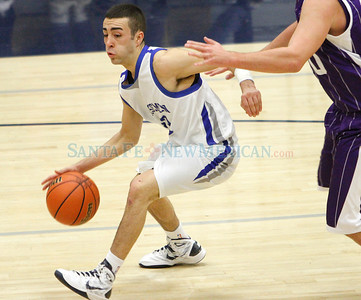 Boyss basketball, St. Michael's vs. Clovis High School in Santa Fe, N.M. on Dec. 10, 2011.  Natalie Guillén/The New Mexican