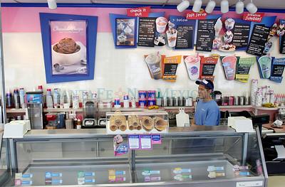 Adam Makzewski serves a steady stream of customers at Baskin Robins in Santa Fe, N.M., on Feb. 2, 2011. Natalie Guillén/The New Mexican