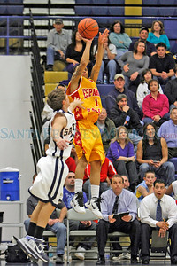 The first half of the Santa Fe High School vs Española Valley High School boys basketball game at Santa Fe High School on Feb. 17, 2011.  Photo by Luis Sánchez Saturno/The New Mexican