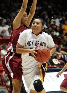 Santa Fe Indian School vs. Shiprock High School during the state girls basketball championship game at the Pit in Albuquerque, N.M. on Mar. 11, 2011. Natalie Guillén/The New Mexican