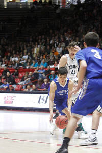 The fourth quarter of the St. Mike's vs Hope Christian on March 10, 2012, at the Pit in Albuquerque.  Photo by Luis Sanchez Saturno/The New Mexican