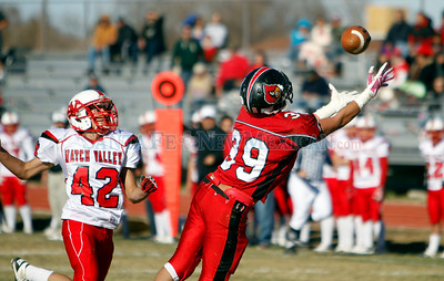 The Las Vegas Robertson vs Hatch game at Robertson on Nov. 20, 2010.             Luis Sanchez Saturno/ The New Mexican.