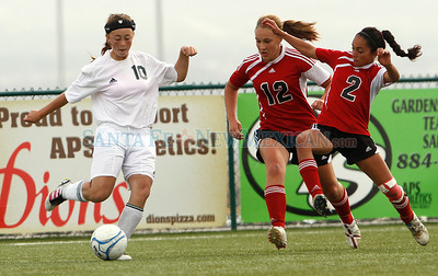 Los Alamos lost to Albuquerque Academy, 1-3, in a girls soccer game at the New Mexico state soccer tournament in Albuquerque, N.M. on Nov. 4, 2011.  Natalie Guillén/The New Mexican
