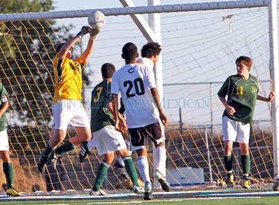 District 2AAAA game between Los Alamos and Capital High School in Santa Fe, N.M., on Oct. 19, 2010.  Natalie Guillén/The New Mexican