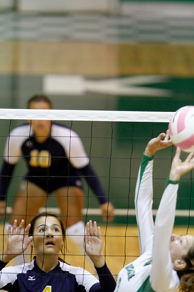 The Pojoaque High School vs Santa Fe High School valleyball game at Pojoaque on Sep. 14, 2011. <br /> <br /> Photo by Luis Sánchez Saturno/The New Mexican
