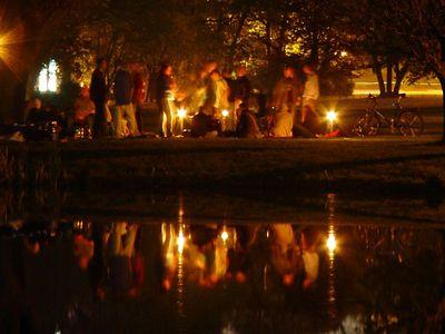 2005-04-30_04701 Grillparty im Johannapark (30s Belichtung)