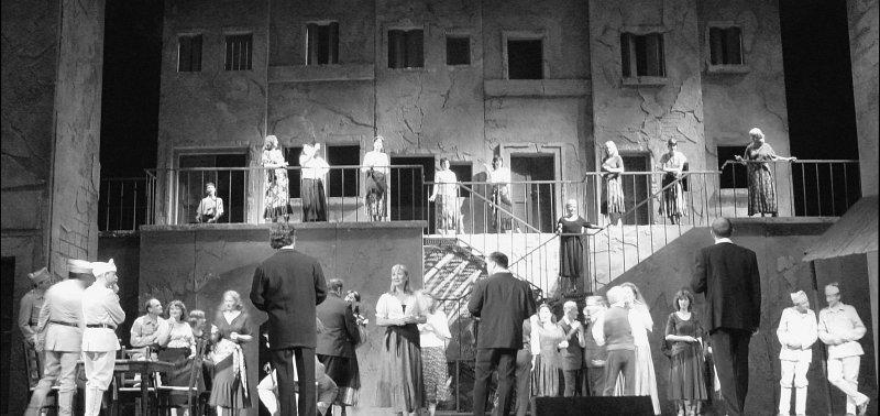 2005-05-21_04921 Oper Carmen - die Eröffnungskulisse